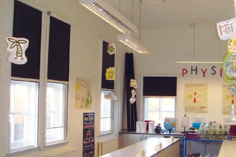 Roller-Blind-school-classroom-in-Teddington-feature